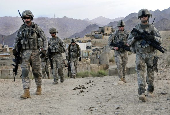 Poll Shows US Voters' Simultaneous Support for Troop Withdrawal and Stay in Syria, Afghanistan