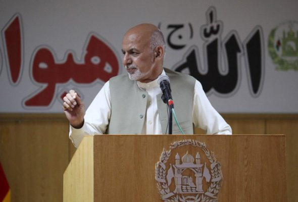 President Ghani Meets Medics Of Kandahar, Says He is Responsible to Provide Equal Medical Services to All Afghans