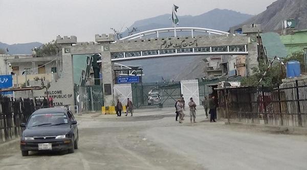 Afghan Amb. Seeks Opening of Crossing Points for Stranded Afghans