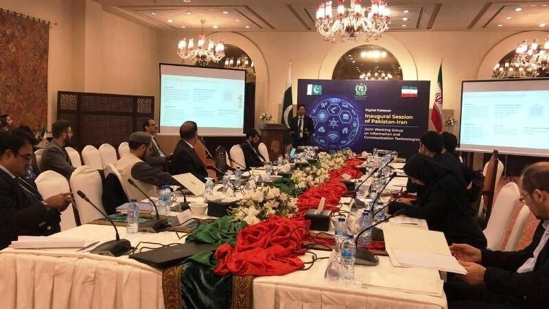Pakistan, Iran Vow to Expand Cooperation in Communications, Technology Sector