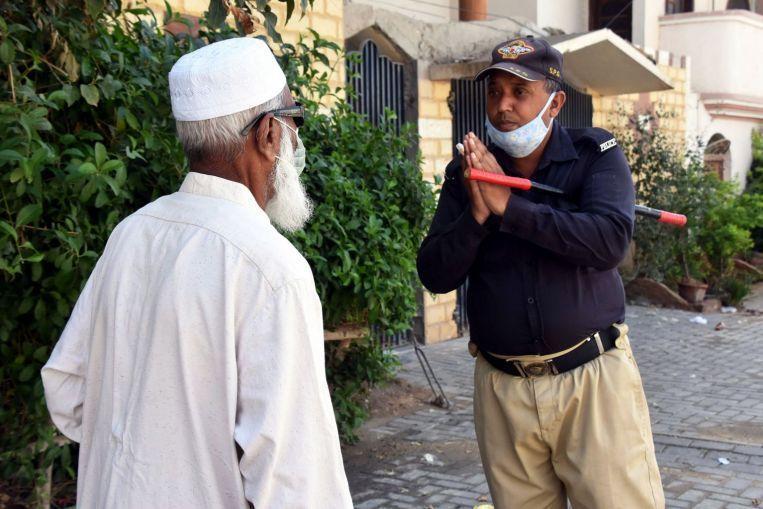 Coronavirus: Pakistan Struggles to Limit Islamic Prayers to Stem Spread