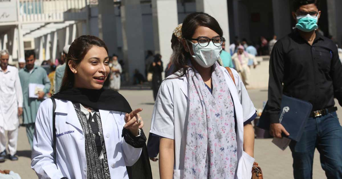 Coronavirus: Number of Confirmed Cases in Pakistan Rises to 892