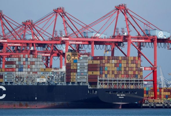 1,900 Containers Stuck at Karachi Port Due to Pandemic