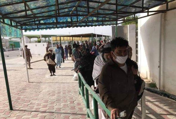 Hundreds of Afghans Are Returning to Country Via Torkham, Spin Boldak: Envoy