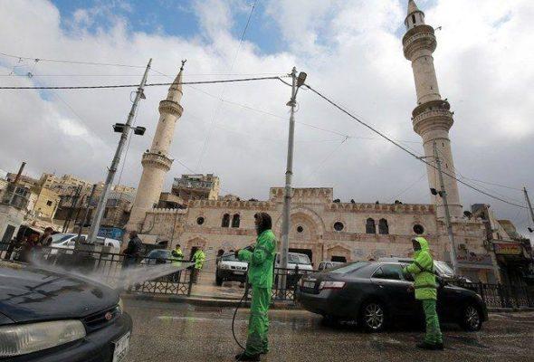 Ramadan's Taraweeh Prayers Banned in Saudi Mosques This Year Amid Coronavirus Fears