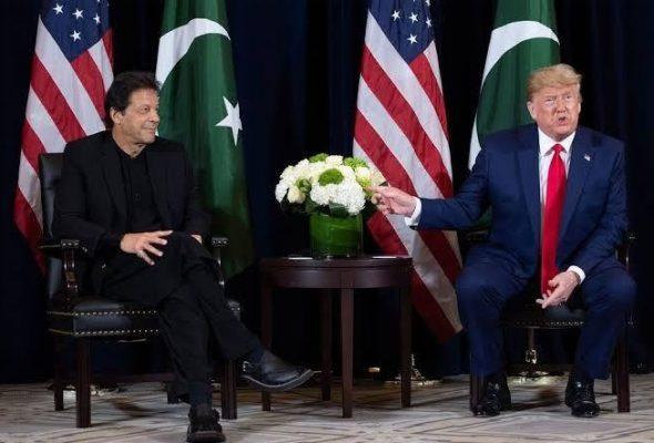 Trump & Pakistan's Khan Discuss Coordination Against COVID-19