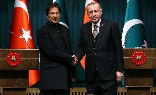 Turkey and Pakistan to 'Enhance' Bilateral Cooperation Against COVID-19
