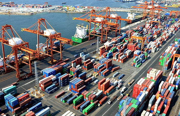 Closure of Afghanistan-Pakistan Border: When Will Islamabad Release 6,000 Containers of Afghan Traders?