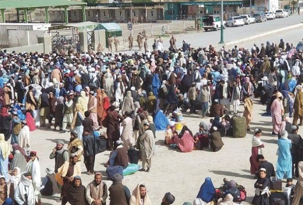 Islamabad Asked to Make Plans for Repatriation of Pakistanis Stranded in Afghanistan