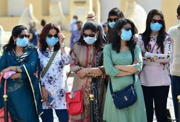 India Scrambles to add Beds as COVID-19 Hospitals Overflow in Delhi