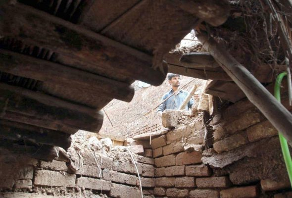 7 Kids Die in Pakistan's School Roof Collapse