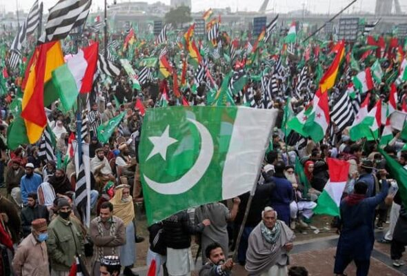 Pakistan Anti-Govt. Alliance to Lead March to Capital in Bid to Oust PM Khan